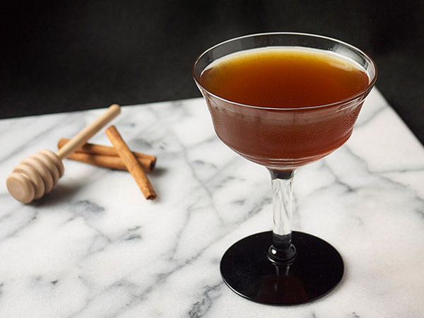 Black Honey Cocktail: the anti-Valentine // stirandstrain.com
