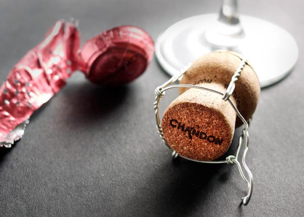 Róse Champagne Cocktail // stirandstrain.com